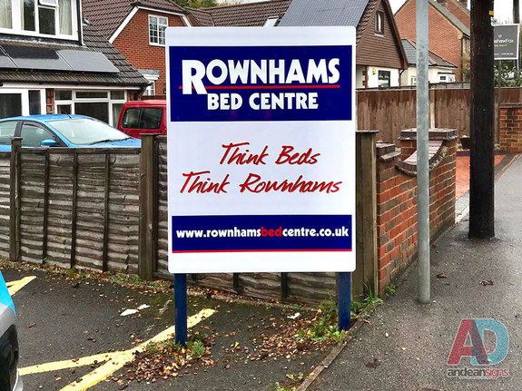 Rownhams Bed Centre Sign and post