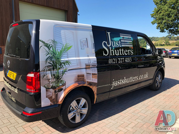 Volkswagen Transporter with digitally printed images and vinyl cut lettering